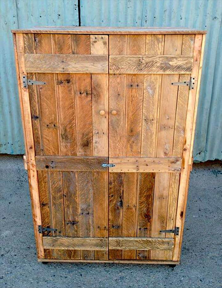 Pallet wardrobe closet made from pallets for How do you spell pallets