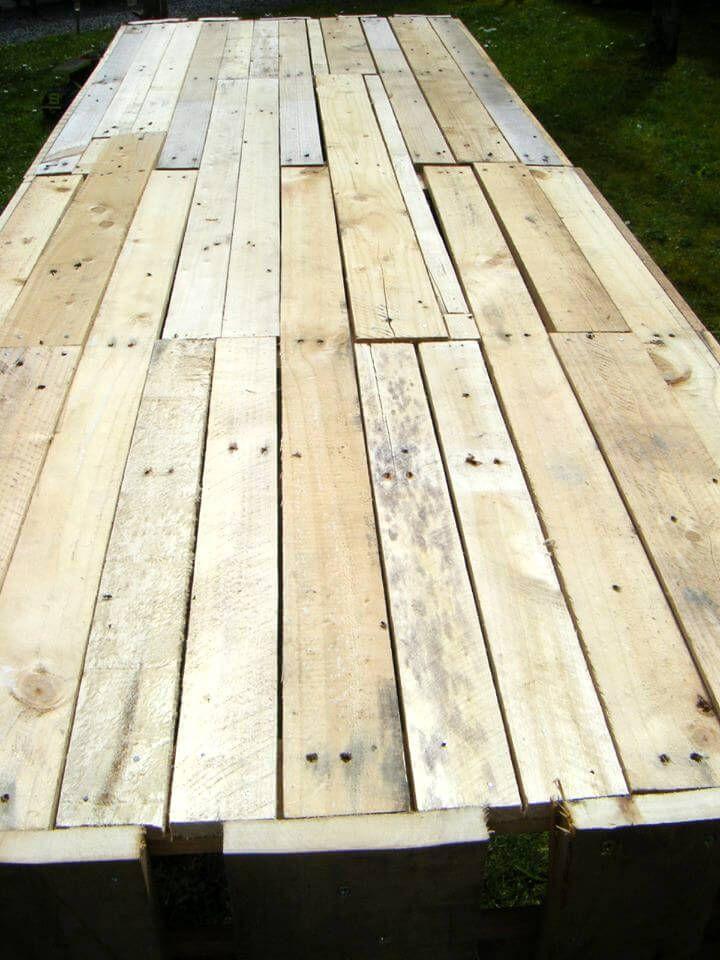 repurposed pallet garden table
