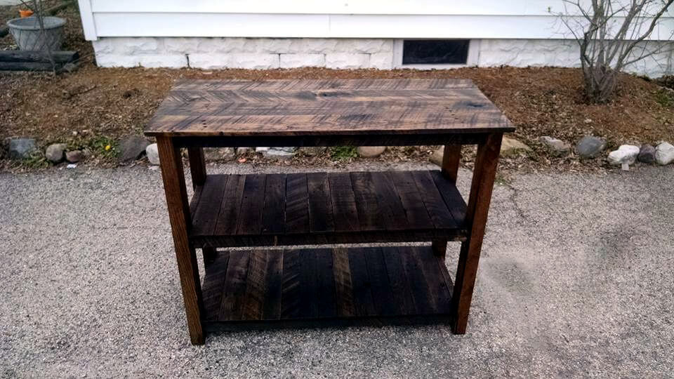 upcycled wooden pallet media table