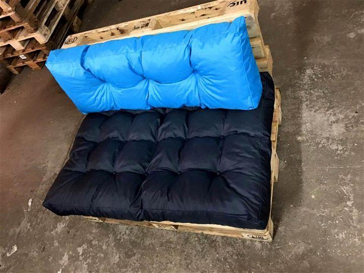 diy pallet chair seat