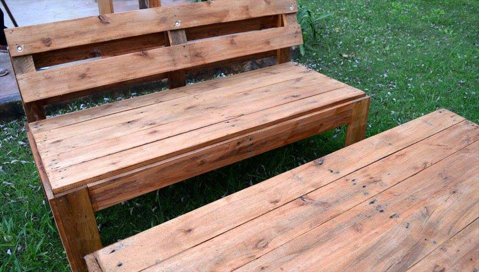 Wooden pallet garden seating set