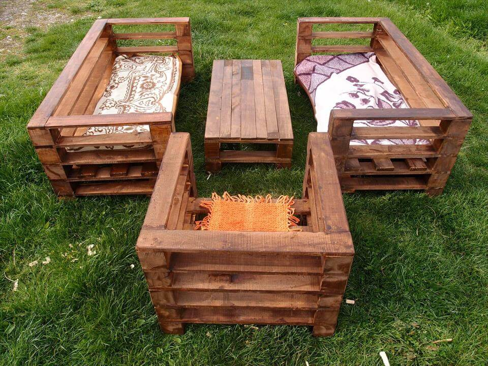 This Pallet Garden Furniture Set Wood Projects. For more detail please ...