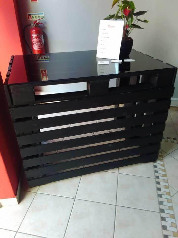 Pallet Made Reception Desk 99 Pallets