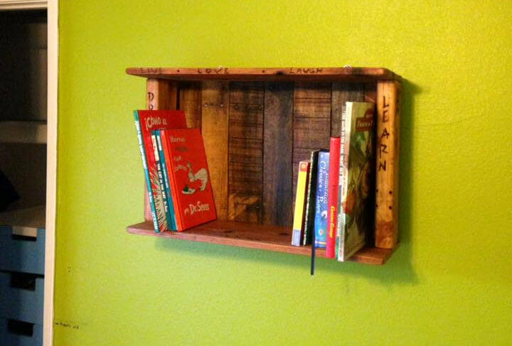 pallet wall hanging mini bookshel for display unit