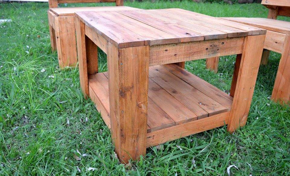 Reclaimed pallet garden seating set