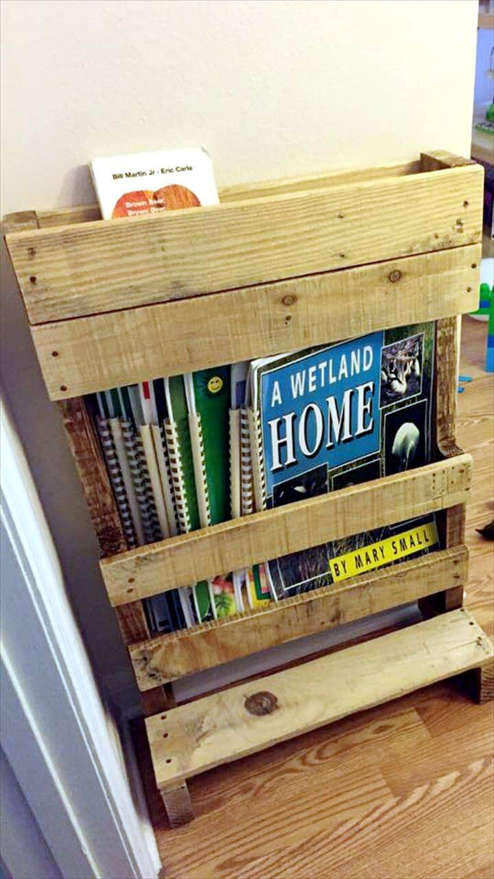 diy pallet magazine rack bookshelf 99 pallets
