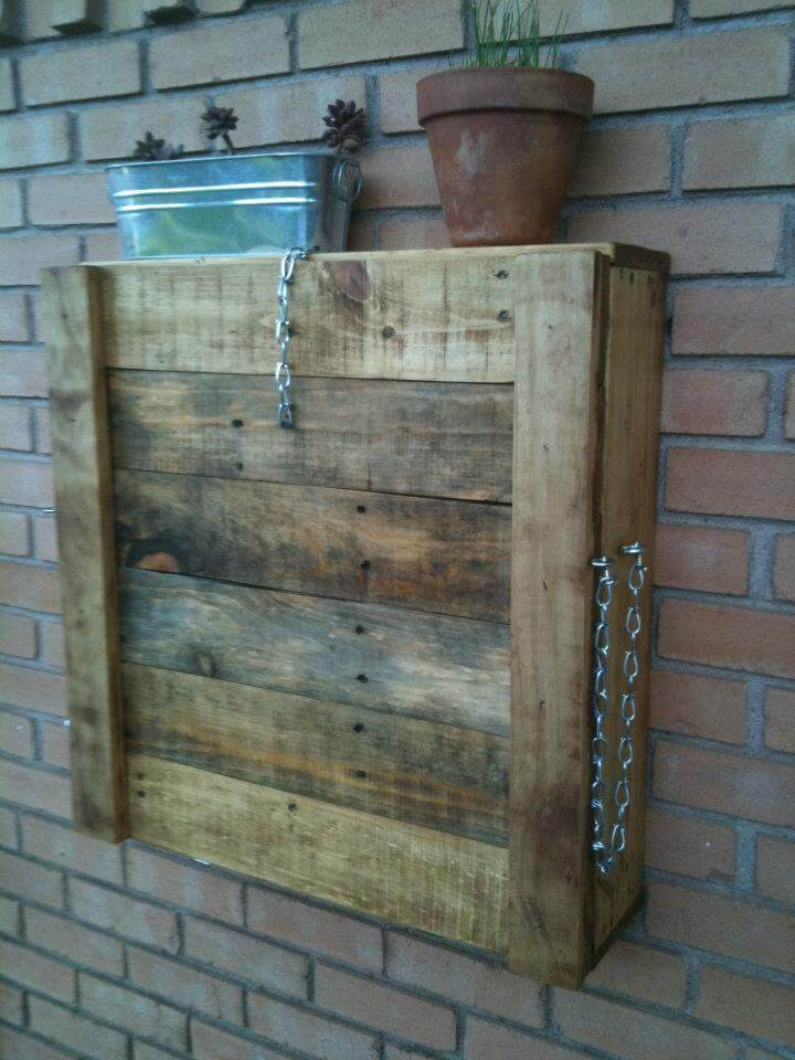 pallet outdoor wall hanging and folding down bar