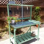 Recycled Pallet Potting Bench Idea