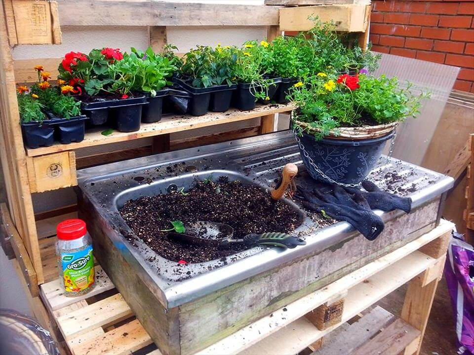 pallet and old sink potting bench
