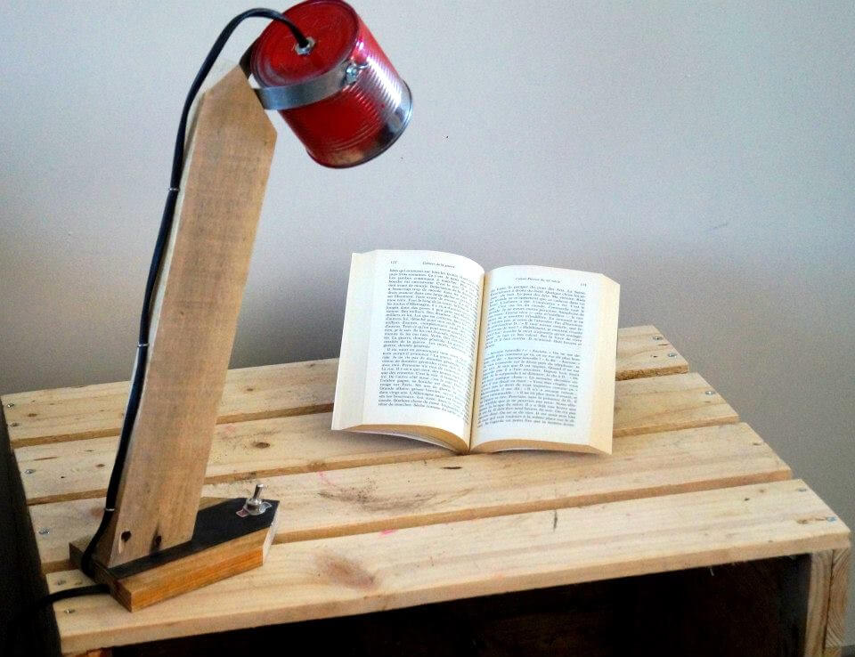 upcycled pallet table lamp