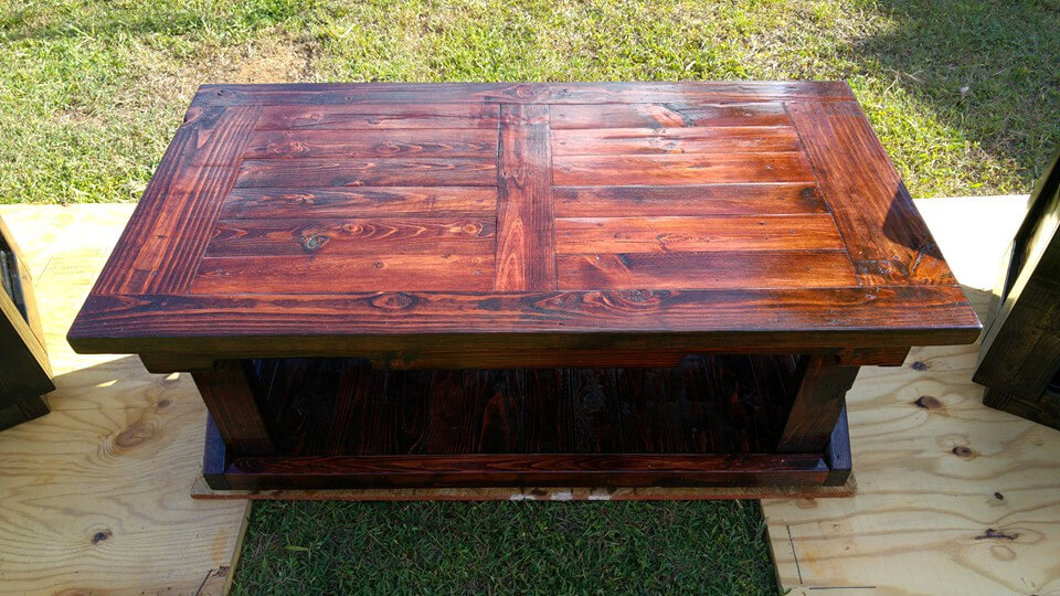 red mahogany stained pallet coffee table