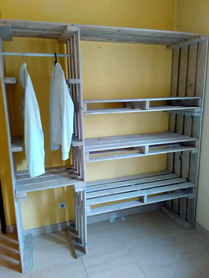 Pallet Closet Wardrobe Made From Pallets 99