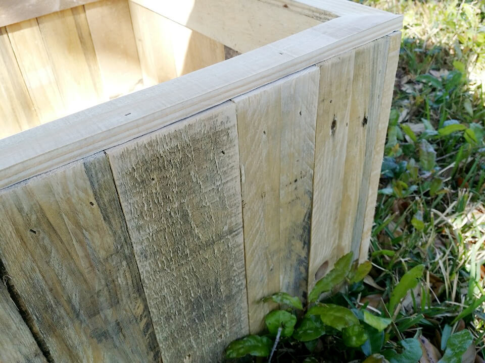 rustic pallet planter box