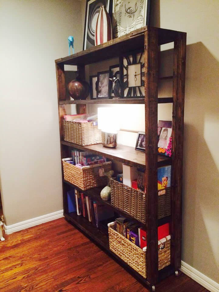Diy Reclaimed Pallet Bookshelf Bookcase 99 Pallets