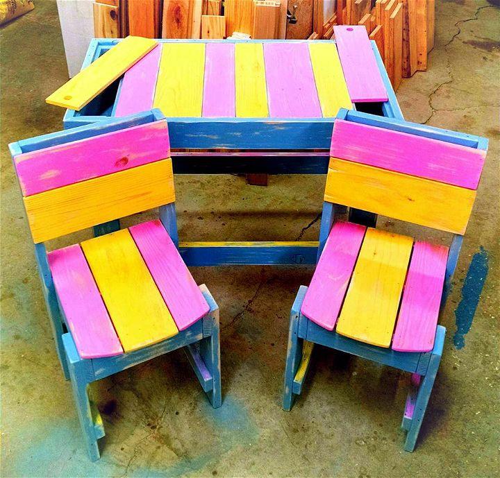art style pallet kids sitting set