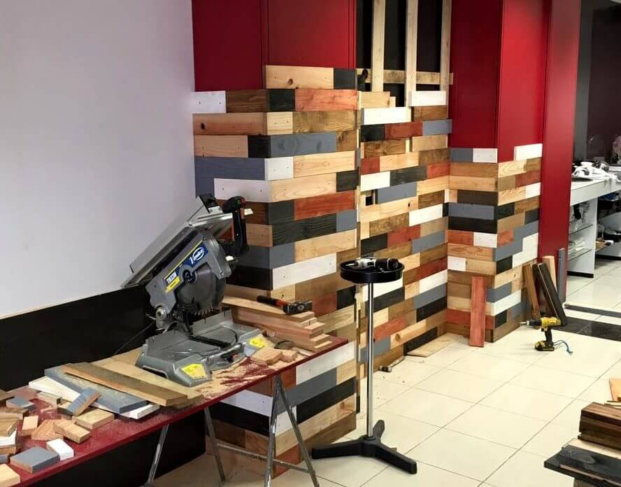 wooden pallet wall paneling