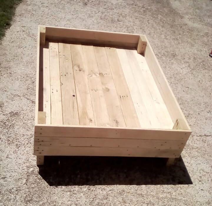 no-cost pallet wooden pallet pet bed