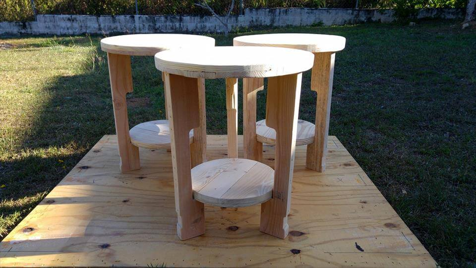 pallet round mini tables with round bottom shelves