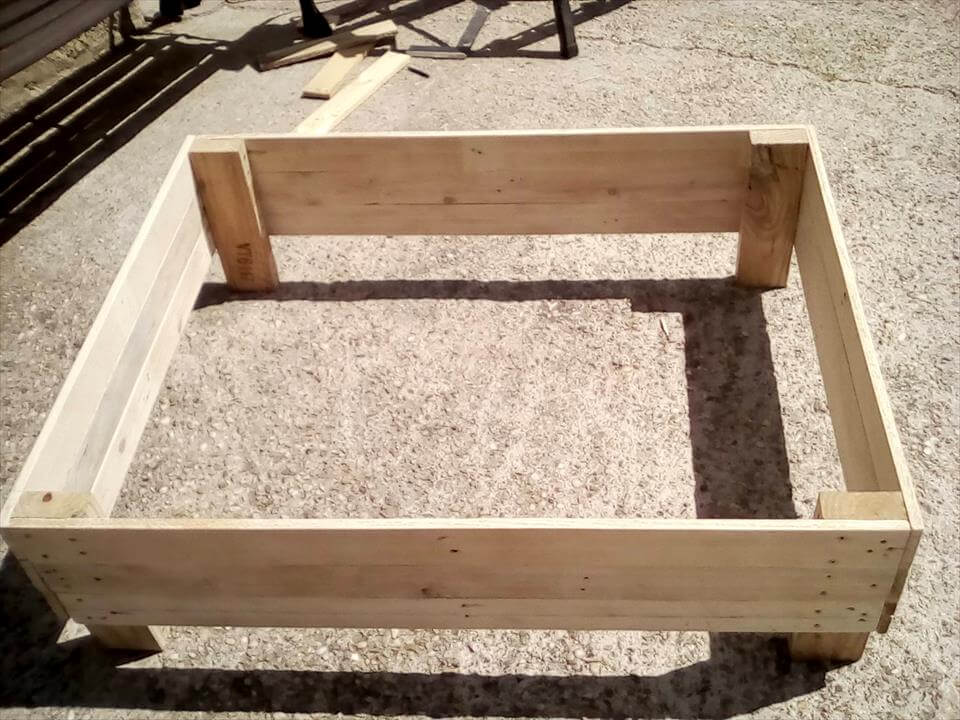 how to build a dog bed with pallets