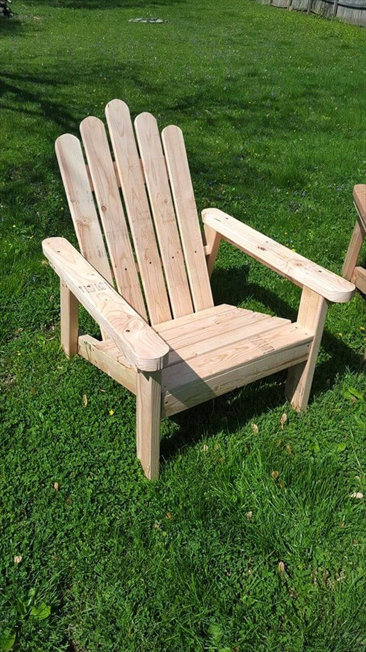 Recycled Pallet Adirondack Chairs 99 Pallets
