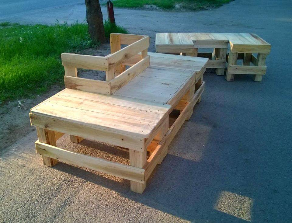Around the tree pallet bench 99 pallets for Building a bench from pallets