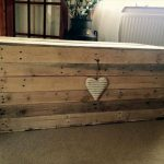 Wooden Pallet Chest – Space-Saving Solutions