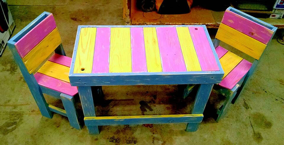 colorful pallet table for kids