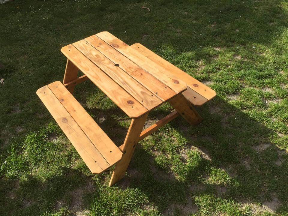 diy pallet kids table