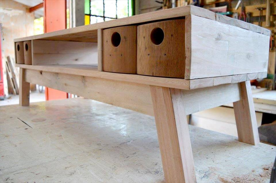 upcycled wooden pallet retro TV stand