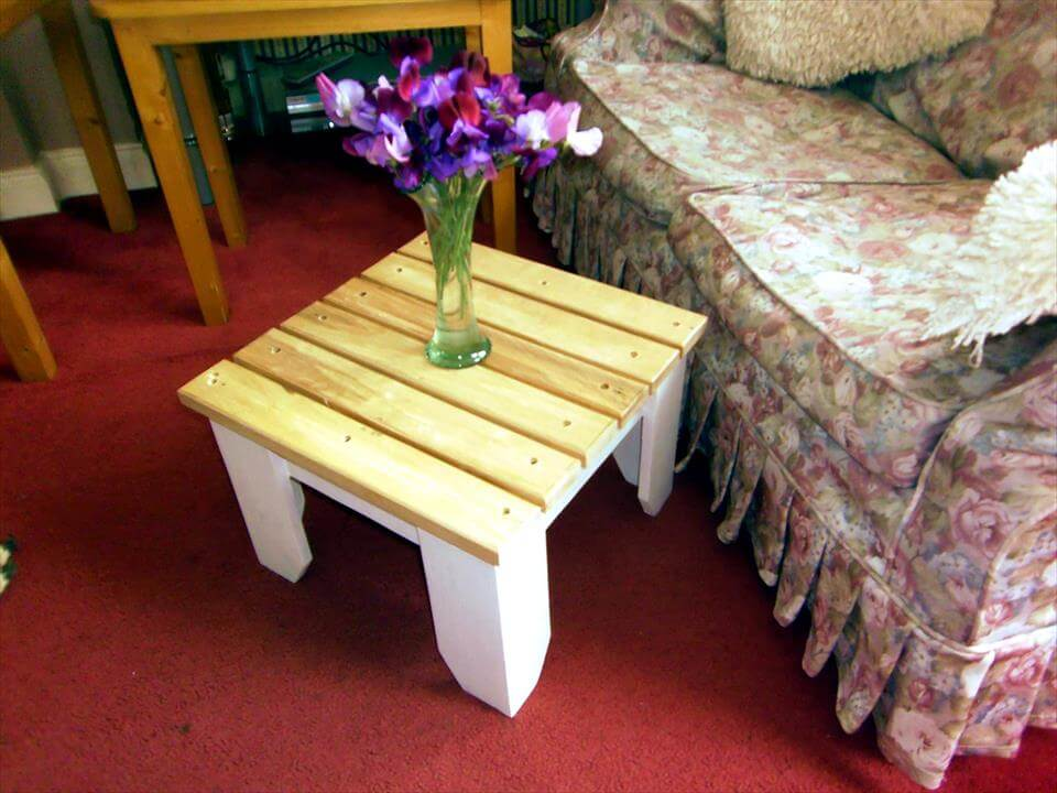 rustic pallet wood mini side or end table