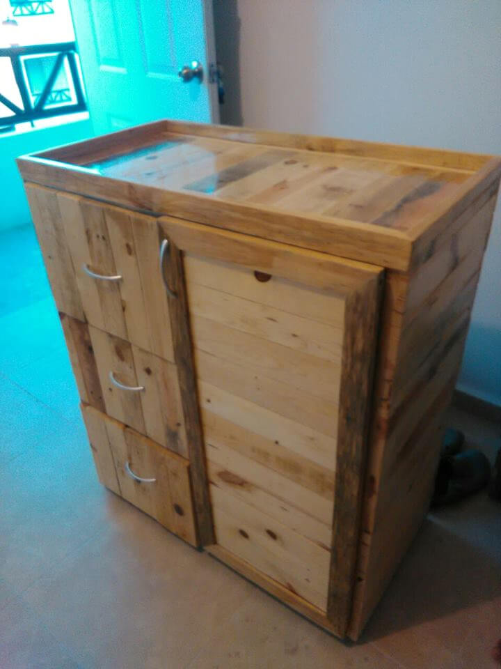 handcrafted robust pallet chest of drawers