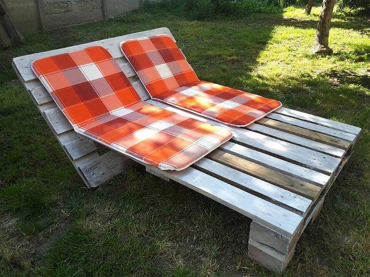 Handmade pallet lounger