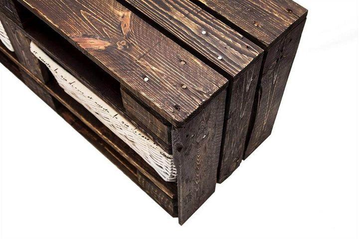 Euro pallet storage bench