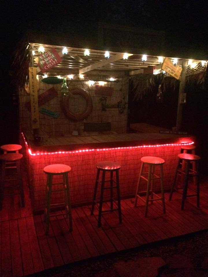40 dreamy pallet ideas to reuse old pallets 99 pallets for 99 pub table