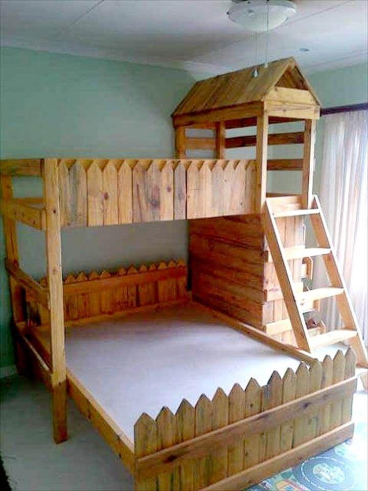 Wooden pallet bunk bed