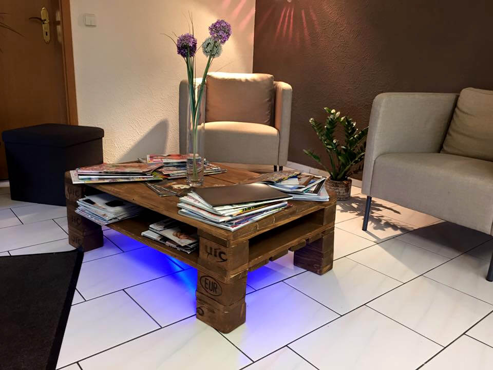 Rustic pallet coffee table wit led lights 99 pallets Led coffee table