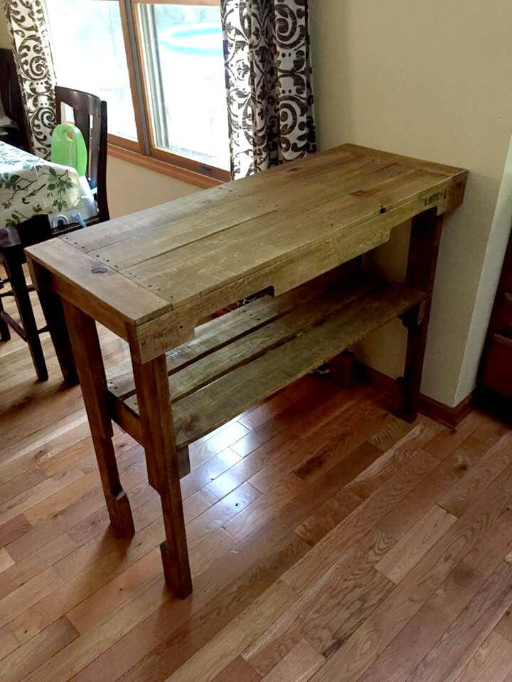 Rustic pallet hall table