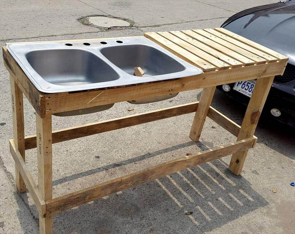 30 Pallet Projects That Will Make You Fall in Love on Outdoor Sink With Stand id=19955