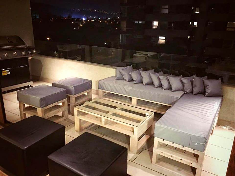 stylish and large pallet terrace seating