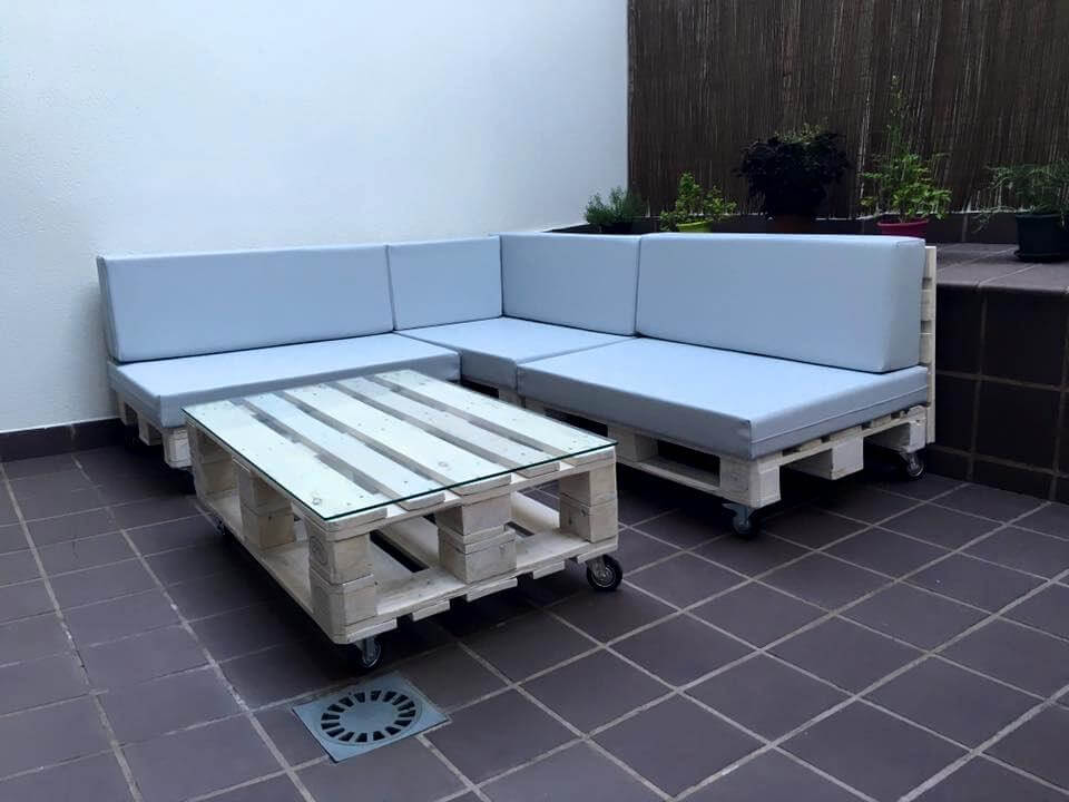 Diy pallet outdoor sofa ideas 99 pallets for Center table design for sofa