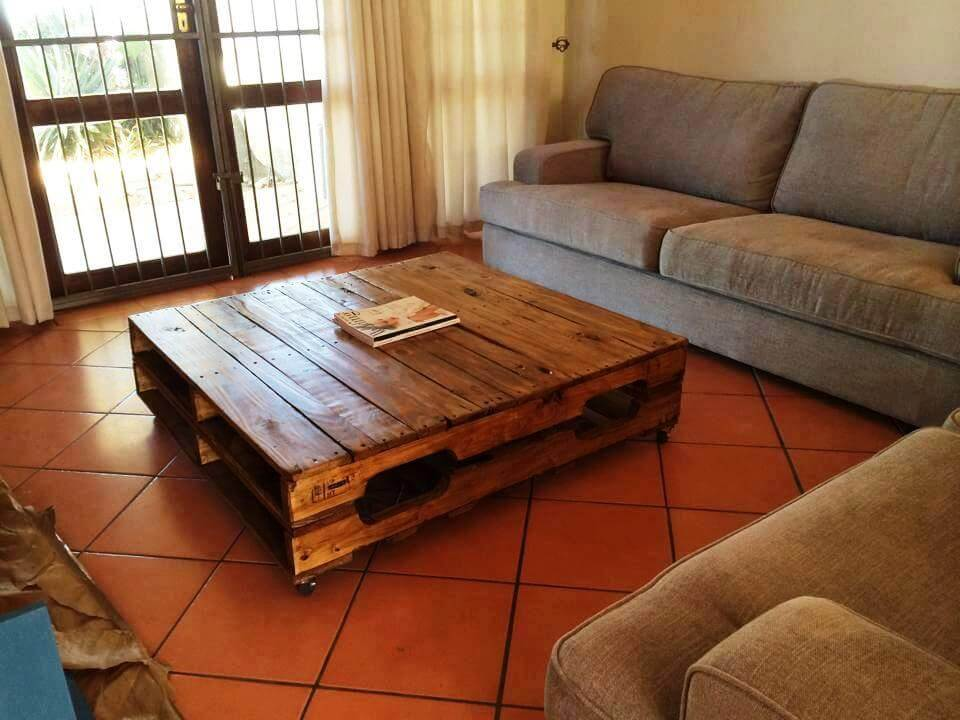 simple and cute pallet coffee table