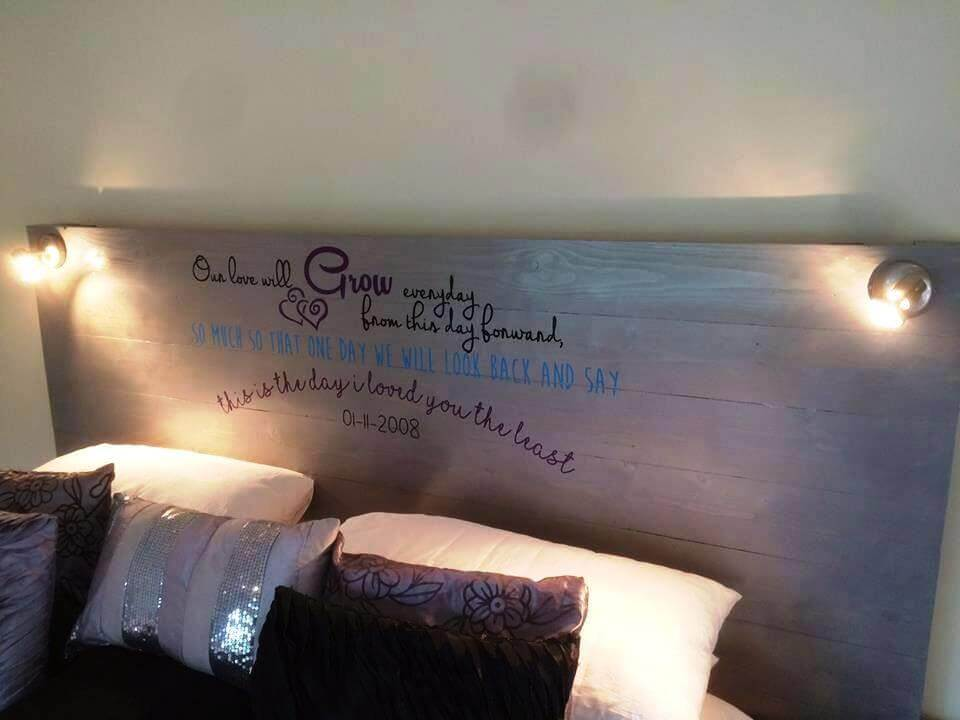 simply and cute pallet headboard