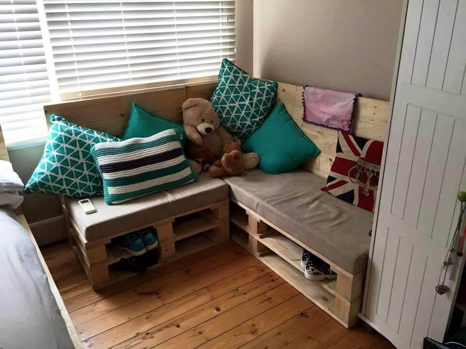 rustic pallet sofa design with shoe rack