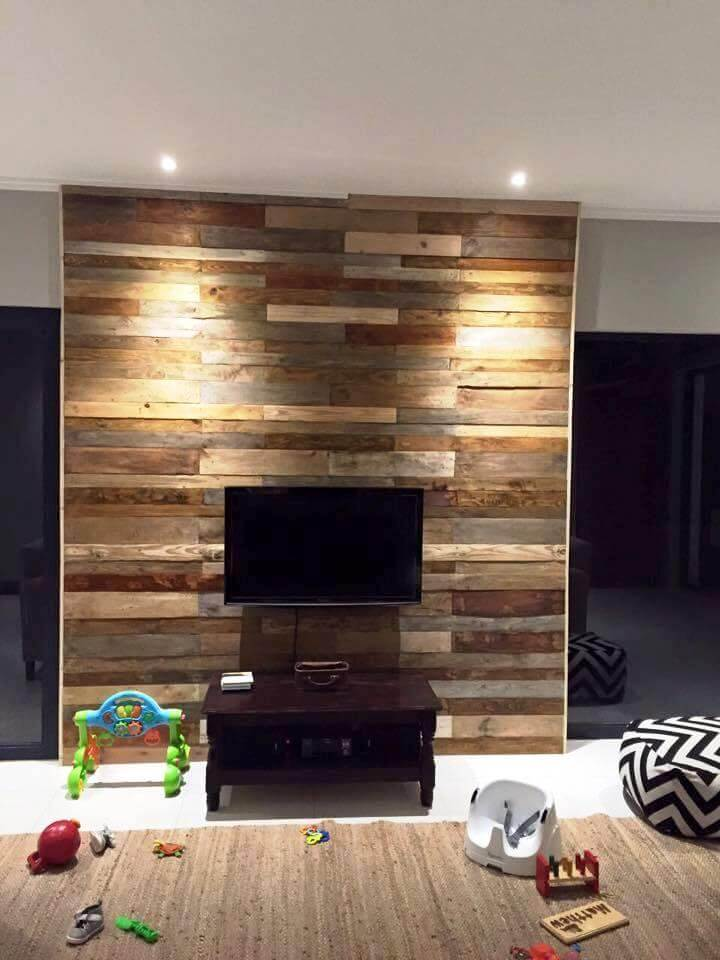 wooden pallet tv wall