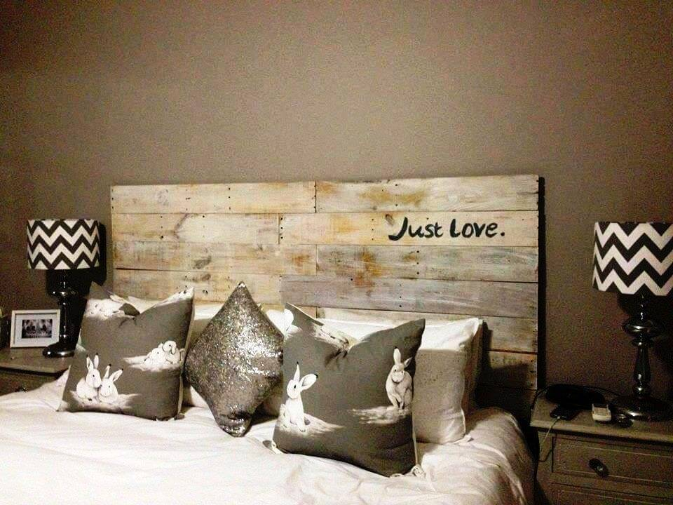 simple and cute pallet hadboard
