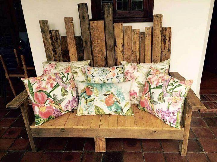 pallet sofa with a unique back