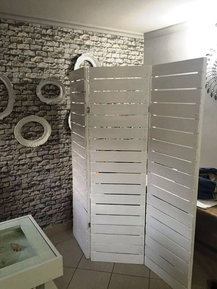 chic white pallet room divider