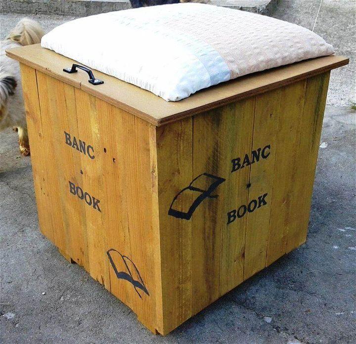 Handmade pallet beanbag seat