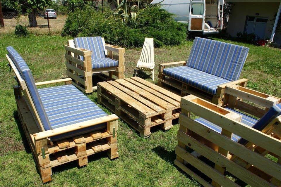 pallet seating set for garden