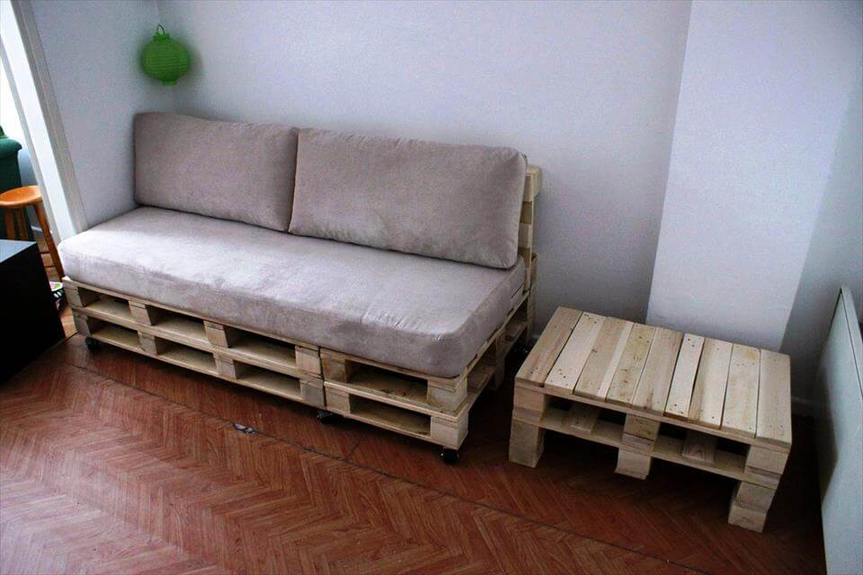 upcycled pallet sofa and coffee table set